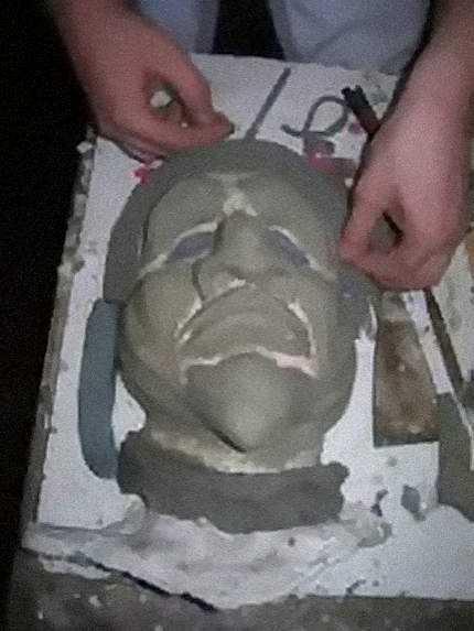 Fase di lavorazione di una maschera