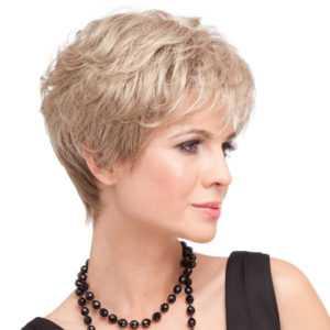 parrucca corta dal taglio classico