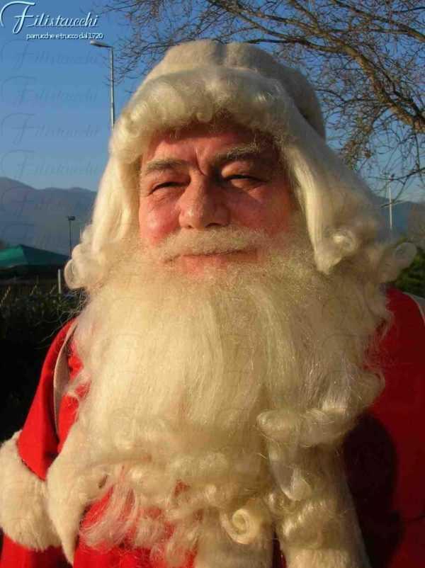 la foto ritrae un Babbo Natale realizzato con parrucca, baffi e barba art BF025 BA025 PA025