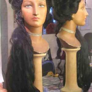 l'immagine rappresenta una parrucca stile Maria Luisa de' Medici Elettrice Palatina ART-700MLDEP
