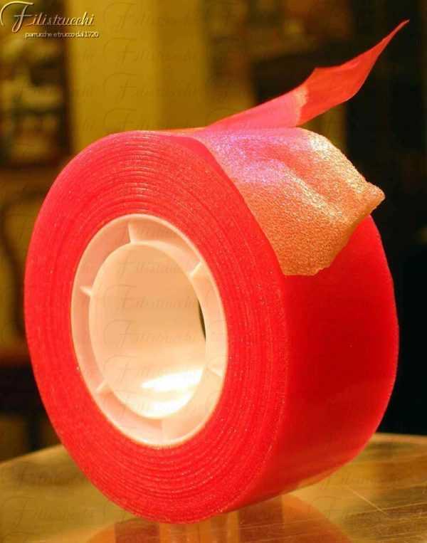 immagine di un Nastro trasparente biadesivo per toupet