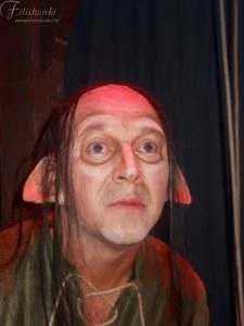Trucco da Rufus con orecchie particolari e calotta con capelli realizzate dalla bottega