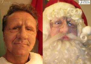 Maschera in lattice schiumato da Babbo Natale reaizzata in più pezzi debitamente incollata e truccata con baffi, barba, sopraccigia e parrucca da noi prodotte.