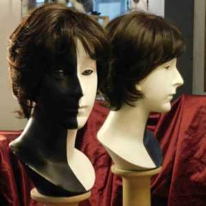 La foto ritraee una parrucca sintetica MONO-LACE-colore-637TVD