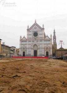 Piazza Santa Croce per la partita dell'assedio