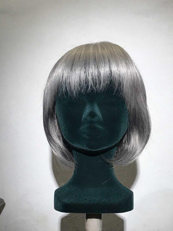 FRIMOUSSE parrucca sintetica grigia a caschetto 51-56-60H